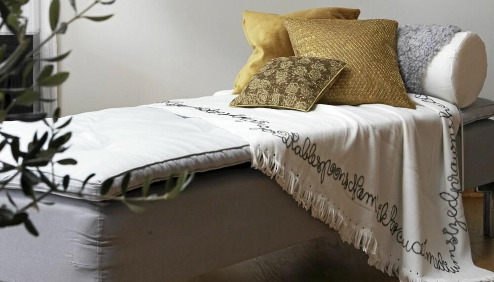 LAG SELV: En enkel madrass fra Ikea er blitt en lekker sjeselong.