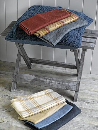 TEKSTILER: Bruk ensfargede tekstiler på store flater, og mønstrede tekstiler på mindre flater.