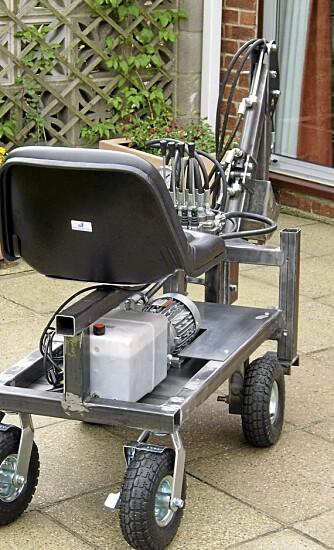 Elektrisk: Graveren er drevet av en elektrisk motor.
