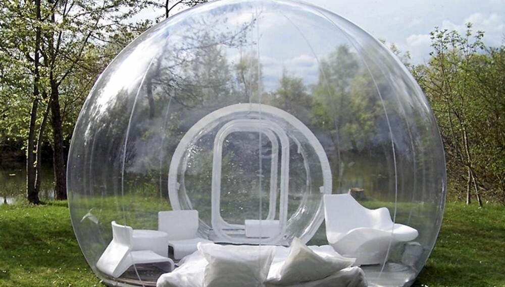 AKVARIE: Man vil nok unektelig få litt gullfiskfølelse inne i et av disse teltene fra Bubble tree.