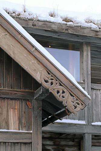 VAKKER FOLKEKUNST: Dekoren på vindskier og annet setter et kulturhistorisk preg på bygningene på Gammel-Kleppe.