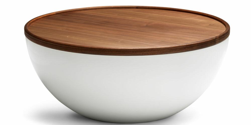 SETT LOKKET PÅ: Dette smarte bordet fra Bolia har oppbevaringsplass under lokket.