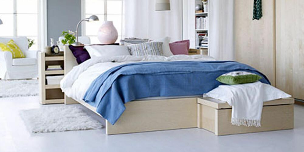 LURE MØBLER: Det kan lønne seg å være på jakt etter møbler som har smarte funksjoner og oppbevaringsløsninger om du bor kompakt.