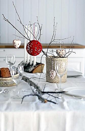 SALLY ANN: Jentene bak Norske Interiørblogger stylet juleutstillingen til Sally Ann.