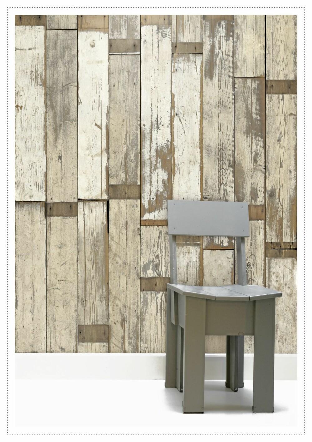 LIMT PÅ VEGGEN: Drivved på veggen er lett å få til. Design ved Piet Hein Eek, scrapwoodwallpater.com