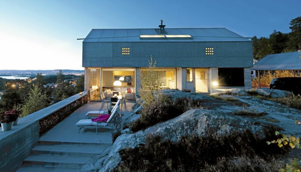 Stilrent på utsiktstomten. Bolig tegnet av arkitekt Knut Hjeltnes.