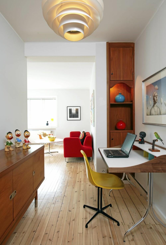 RETRO: Leiligheten består av en miks av Scandinavian Design, amerikansk Mid-Century Modern og noe kitsch.