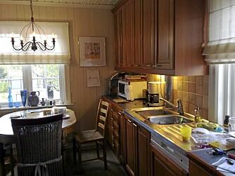 Førbilde. Bjørgs gamle kjøkken var utrolig mørkt og upraktisk.