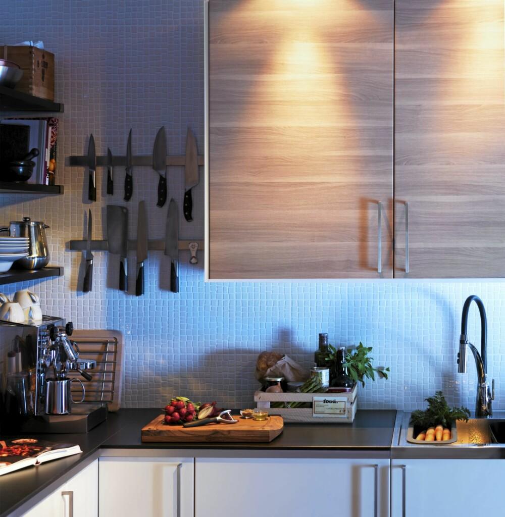 VALNØTTFINER: Sofielund kjøkkenfronter fra Ikea representerer den myke, organiske kjøkkentrenden.