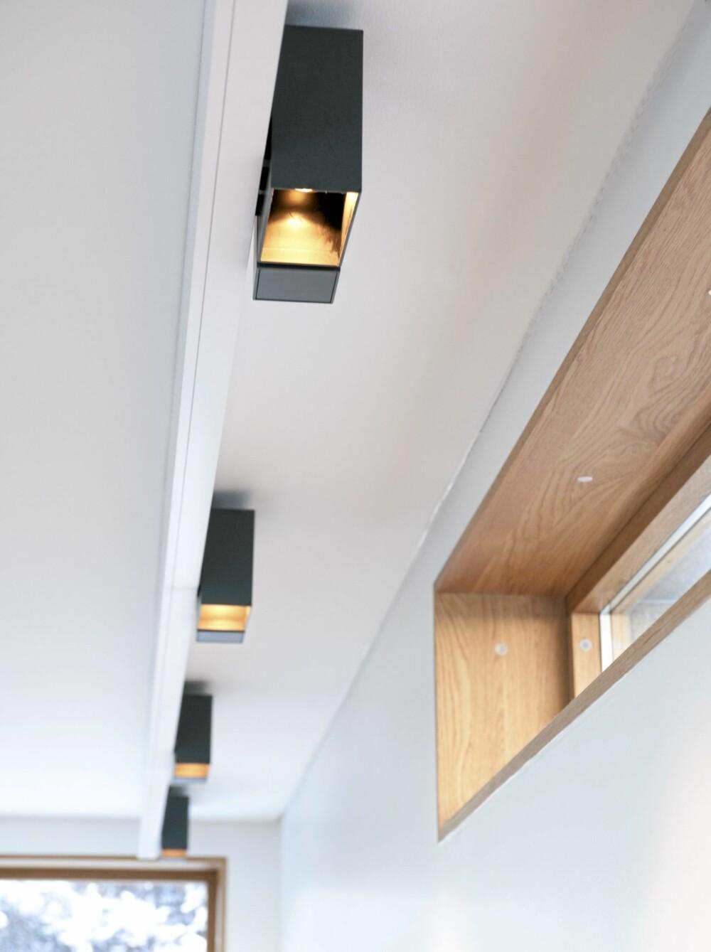 LYS OVER ALT: Rekken av Kreon takspoter fra Expo Nova lys kan gi godt lys hvor som helst på kjøkkenet.
