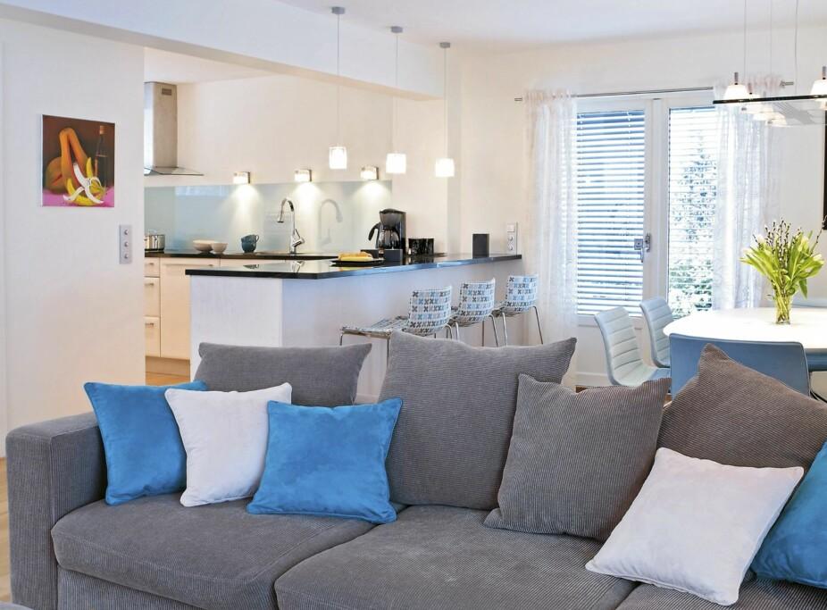 ÅPEN KJØKKENLØSNING: Stadig flere velger å slå sammen stue og kjøkken.