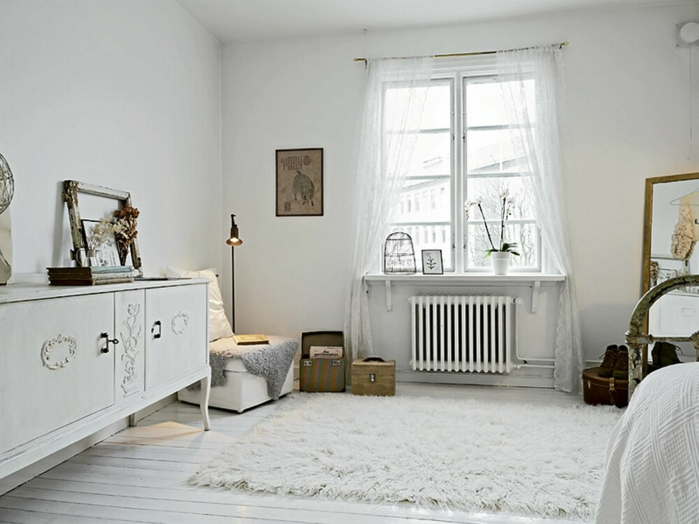 HVIT BASE: Eieren ønsket en hvit base slik at møblene kunne komme til sin rett