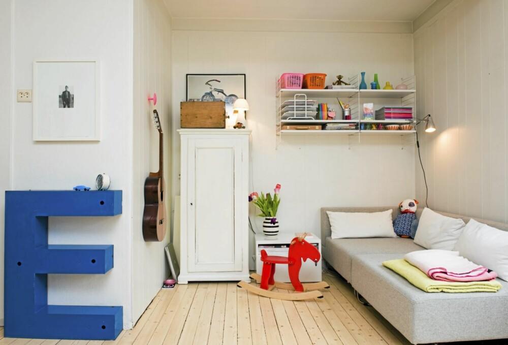 E FOR ELLA: Leilighet er på 51 kvadratmeter og ligger på Sinsen i Oslo. Den inneholder stue, kjøkken, bad og ett soverom. Bokstaven er for øvrig er hentet fra et gammelt Aftenpostenskilt.