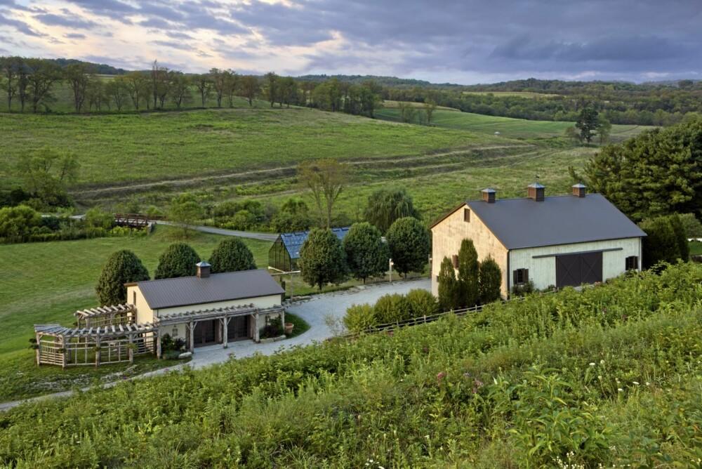 EKSTERIØR: Den gamle gården ligger idyllisk til i åsene av Pennsylvania