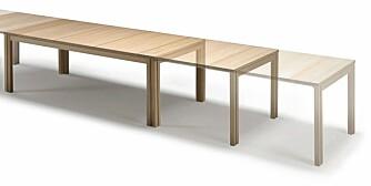 UTTREKKBART: Bordet SM24 fra Skovby har plass til åtte personer i utgangspunktet, men kan trekkes ut slik at 20 mennesker får plass.