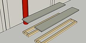 KUTT PLATENE: Kutt sideplatene først og pass på at de er like store, skru fast en ramme av lektene på innsiden.