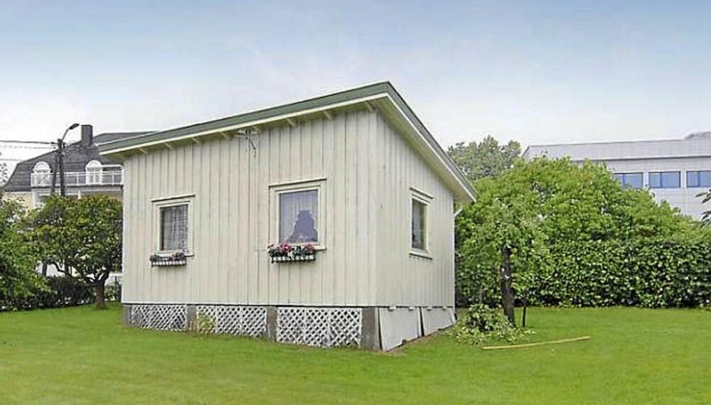 LANDETS MINSTE?: Kan dette huset i Tofte i Hurum være landets minste enebolig. Boarealet er på 25 kvadratmeter.