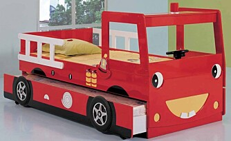 Brannsjefens seng: Flott seng med plass til overnattingsbesøk til husets brannsjef. Pris kr. 3590 på www.drommerom.no / kr. 3990 på www.barnerommet.no.