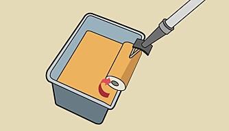 Unngå drypp: drei rulla en halv tørn slik at den dryppende kanten kommer på toppen av rulla.
