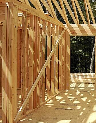 FEIL AVSTAND: Feil avstand mellom stenderne, og feil størrelse på vindusåpningen er dyre feil.