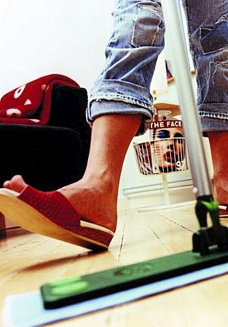 HELGEVASK: Mopper i microfiber passer til å rengjøre de fleste gulv.
