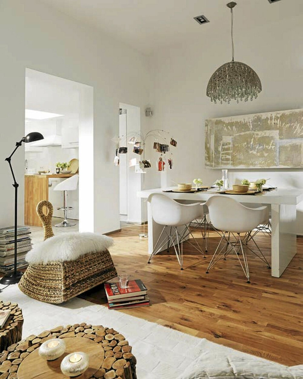 VARME: Tregulvet gir lunhet og varme til leiligheten.
