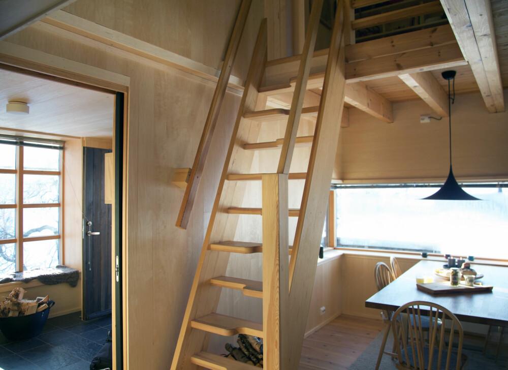 SAMBATRAPP: Sambatrapper, som de kalles, er utformet for at man lett skal kunne gå opp og ned selv om trappen er bratt.