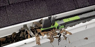 ROBOT: Den rydder godt unna i takrenna, men funker best når løvet er tørt.