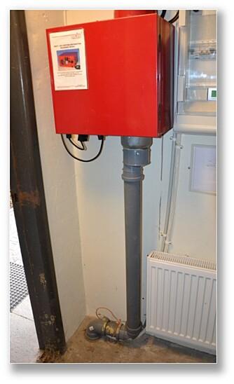 RADONVIFTE: Ved hjelp av en vifte og et rørsystem ned i grunnen under huset, kan du nærmest suge bort radon før det kommer inn.