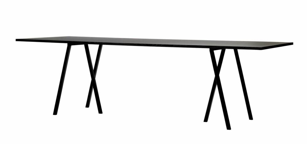 TREBENTE BUKKER. De løse bukkene fra Hay er blant de mest elegante du kan få tak i. Merk at de ikke kan justeres i høyden. Loop Stand Table koster kr 4949, bukkene kr 1299 for to, hayshop.no