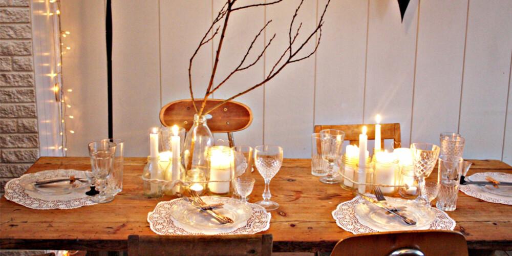 RÅ NATUR: Brigitta har dekket sitt nyttårsbord enkelt, men likevel vakkert vakkert. Og perfekt for årets største fest.