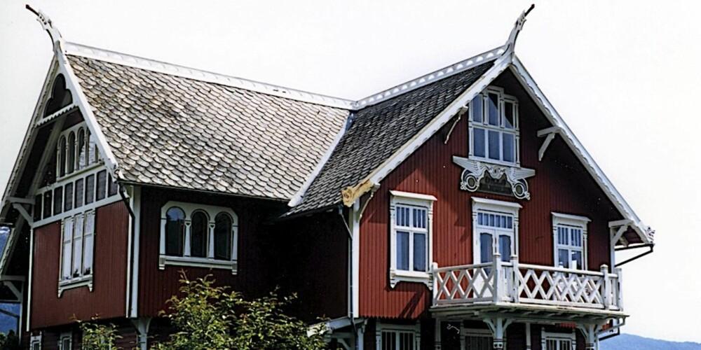 DRAGESTIL: Villa fra Balestrand i Sogn.