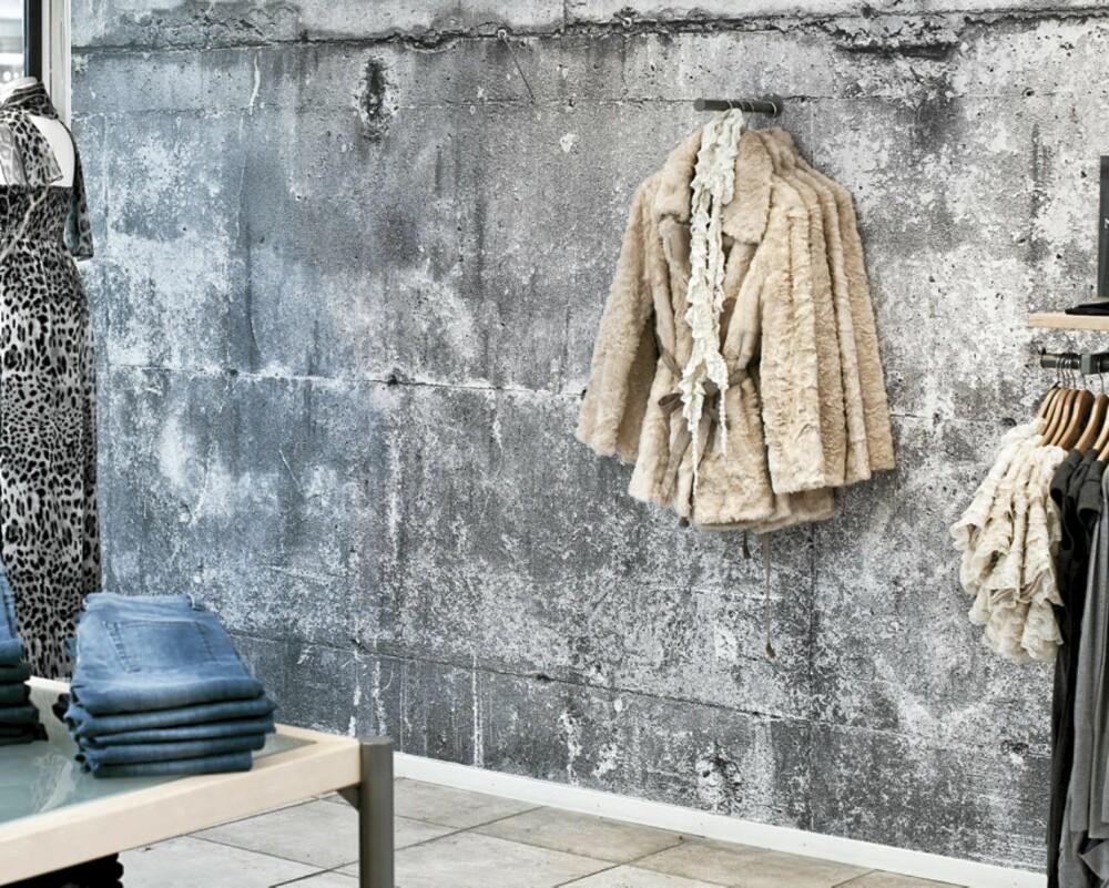 EKTE ELLER FALSK?: En klesbutikk i Sandnes gikk for betongtapet da de skulle pusse opp.