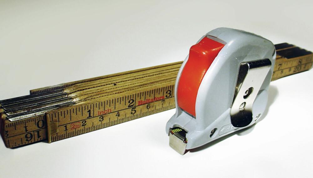 Større nøyaktighet: Målebåndet har støre nøyaktighet enn meterstokken.