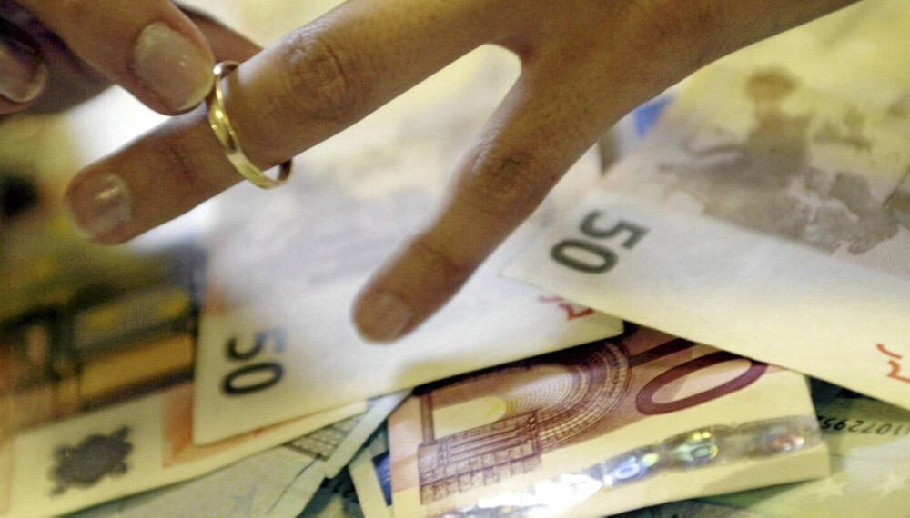 EN TØFFERE HVERDAG: En skilsmisse kan gå hardt ut over den økonomiske situasjonen.