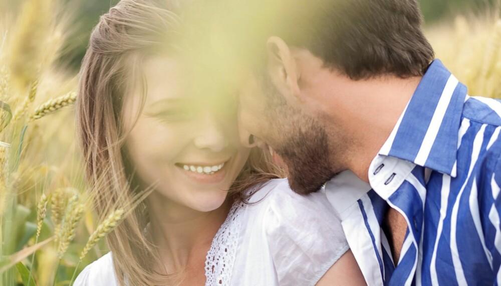 FORSKJELLIG SPRÅK: Om partneren din tar deg i hånda eller komplimenterer deg er det sannsynligvis noe han ønsker at du også skal gjøre.