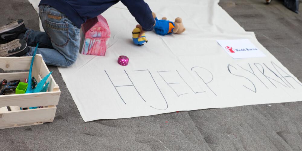 PLASSER ALT UTOVER: Legg lekene på bakken og la folk komme for å se.