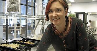 MATNYTTIG DAME: Liselotte Bjelke engasjerte et helt lokalmiljø og klare å innføre varmmat på Hundsund ungdomsskole.