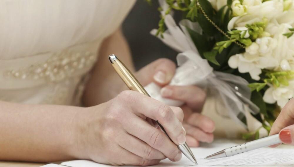 NYTT ETTERNAVN: Den vanligste grunn til å bytte etternavn er fortsatt ønske om felles etternavn etter giftemål.