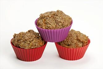 NOE MUFFINS I MATBOKSEN: Små minimuffinsformer gir en passelig munnfull som dessert i matboksen.