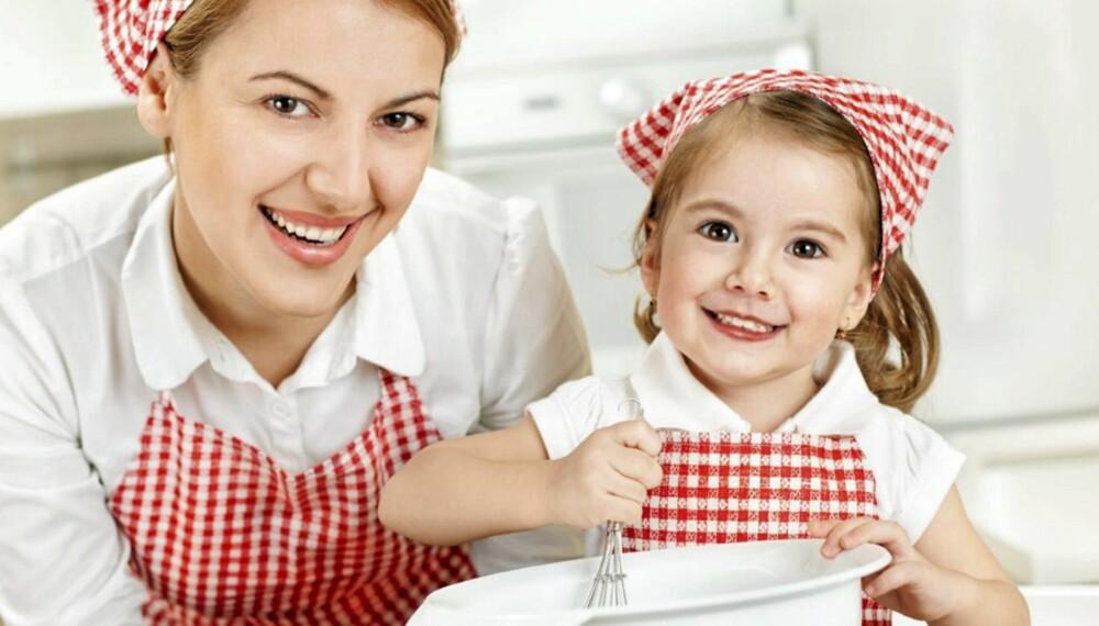 PERFEKT MAMMA: Høye forventninger om alt en mamma skal klare, gjør at mange mødre velger å pynte på sannheten.