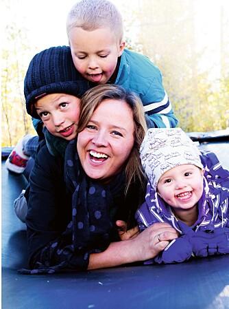 OVERSKUDD IGJEN: Da Therese var gravid med sitt andre barn fikk hun utløst sykdommen som skulle plage henne i lang tid.