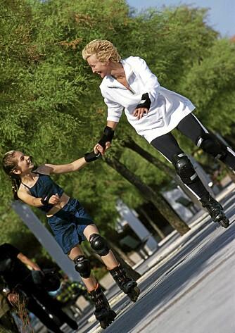 SAMVÆR: Foreldres deltagelse i barnas fysiske aktiviteter gir positive effekter på deres opplevelse og idrettsglede.