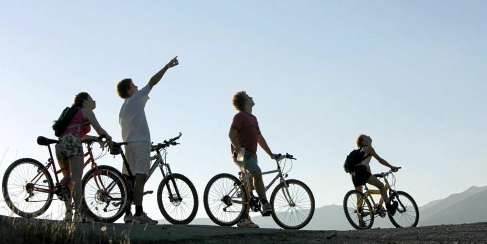 VARIERT: Variasjon i aktivitetene er avgjørende for barns positive idrettsopplevelse, som for eksempel en sykkeltur i stedet for den vante fotballtreningen.