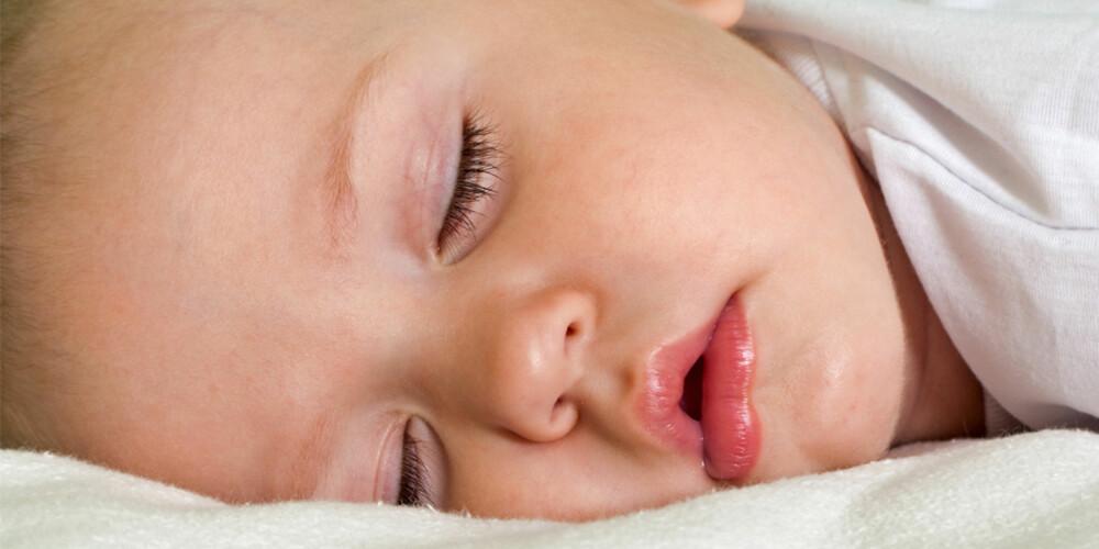 SOVER SØTT: Bare de som sliter med barn som ikke vil sove vet hvor fantastisk det kjennes når de endelig sovner.