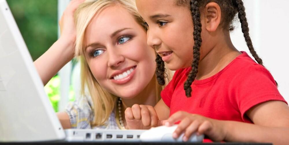 VÆR POSITIV: Positive tilbakemeldinger når barnet gjør noe rett, gjør at barnet lærer lettere.
