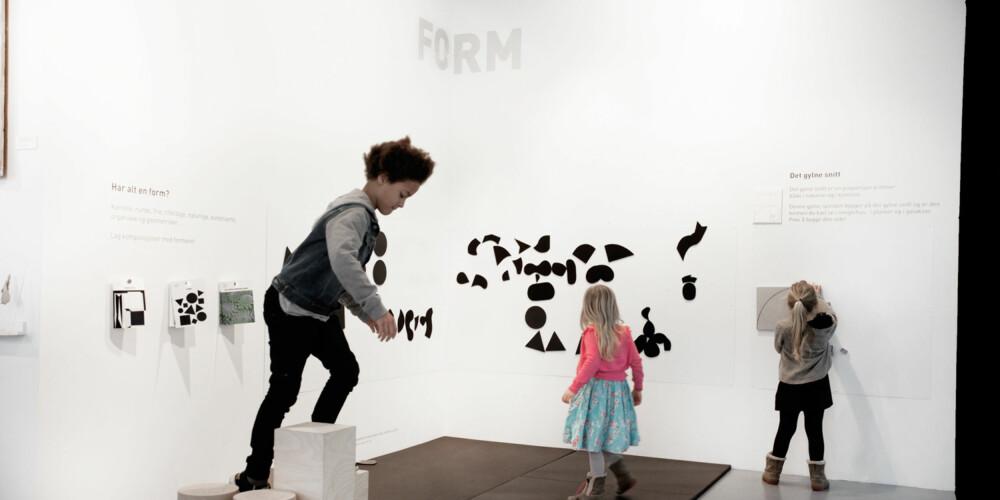 FORM: På KunstLab i Bergen får barna lære om det gyldne snitt og hva en form er. FOTO: Per Olav Sølvberg