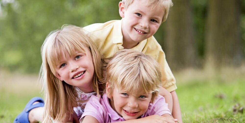 TRE TETTE: Har man ork til det, kan tre tette barn være helt supert.