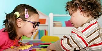 FORSKJELLSBEHANDLING: Forsker mener gutter og jenter behandles ulikt i barnehagen.