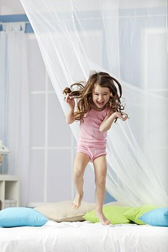 MORGENFUGL: Mange små barn er, i likhet med eldre, morgenfugler. Det er biologisk styrt, sier søvnekspert Eli Sørensen.